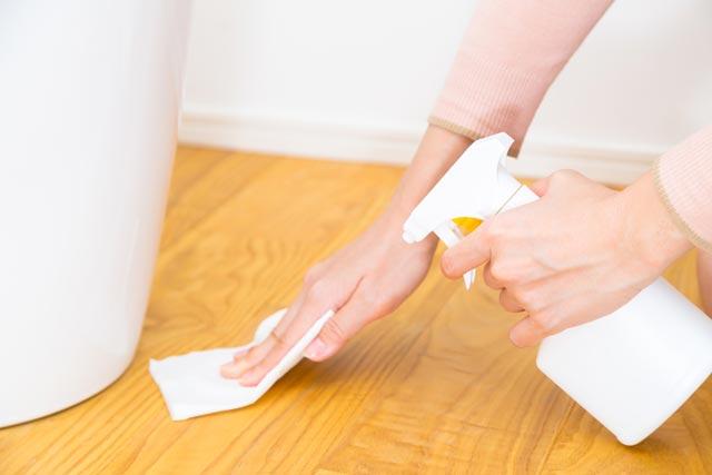 便器の床が汚れている原因が尿漏れなら「切迫性尿失禁」かも?